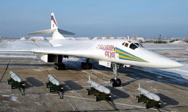 tu-160-sverhzvukovoi-str-raket-bombar-09